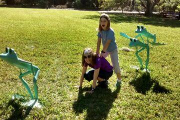 summer fun leap frog sculptures